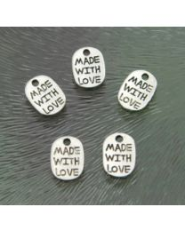 "Zilver plate bedeltje ""made with love"", 8 x 11 mm, per stuk"